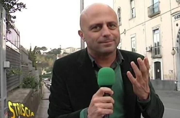 Denaro in cambio del reddito di cittadinanza, l'inchiesta di Luca Abete in una salumeria di Forcella