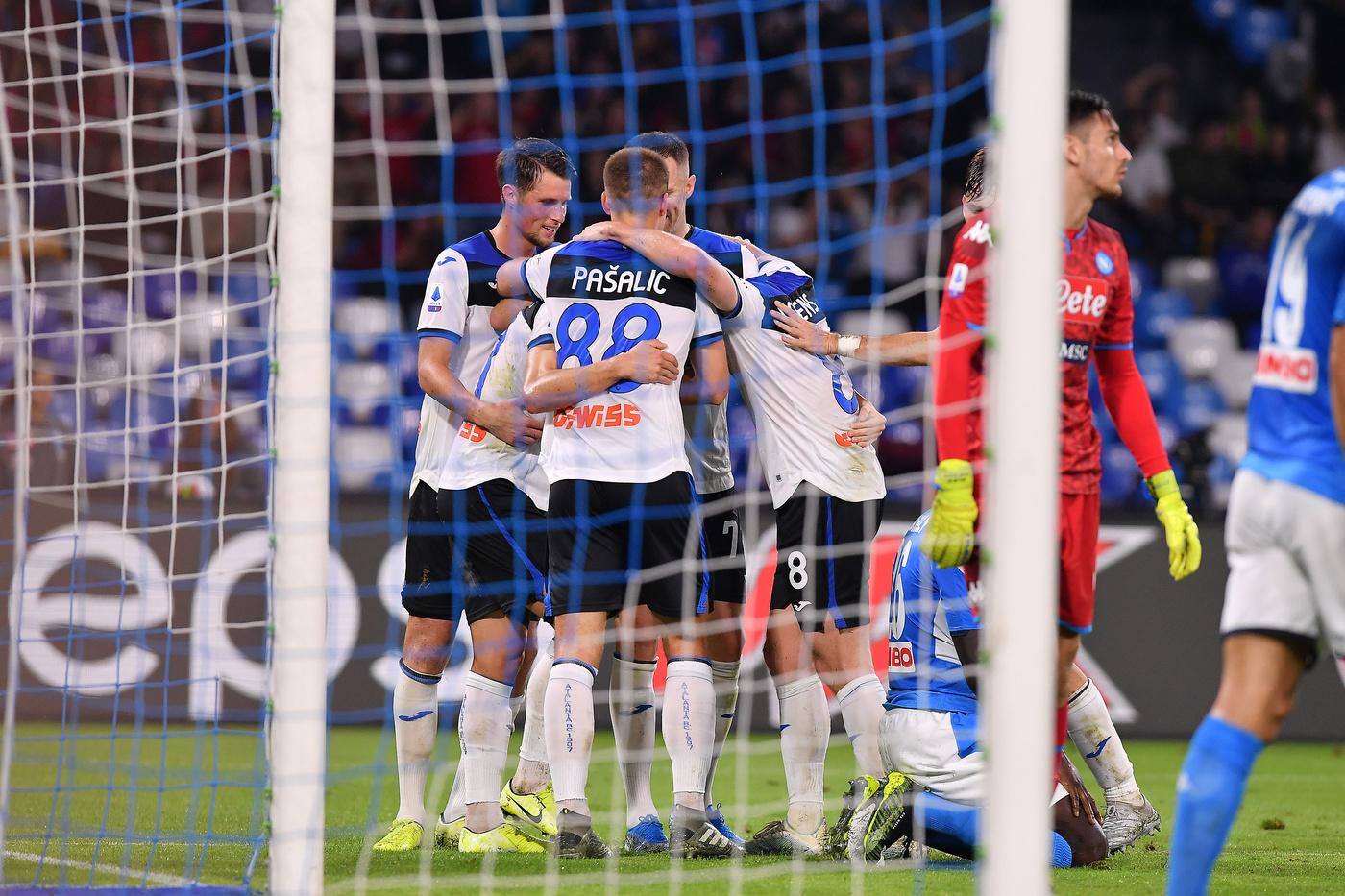 Napoli-Atalanta 2-2, azzurri fermati dai pali e dall'arbitro