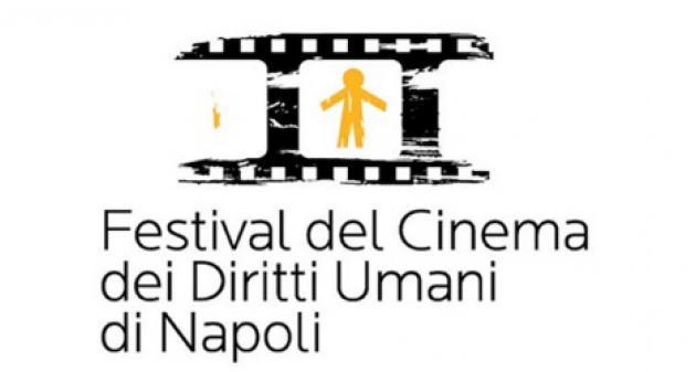 """""""Silvia Libera"""", con l'appello sventolato da Palazzo San Giacomo si apre il Festival Del Cinema Dei Diritti Umani di napoli"""
