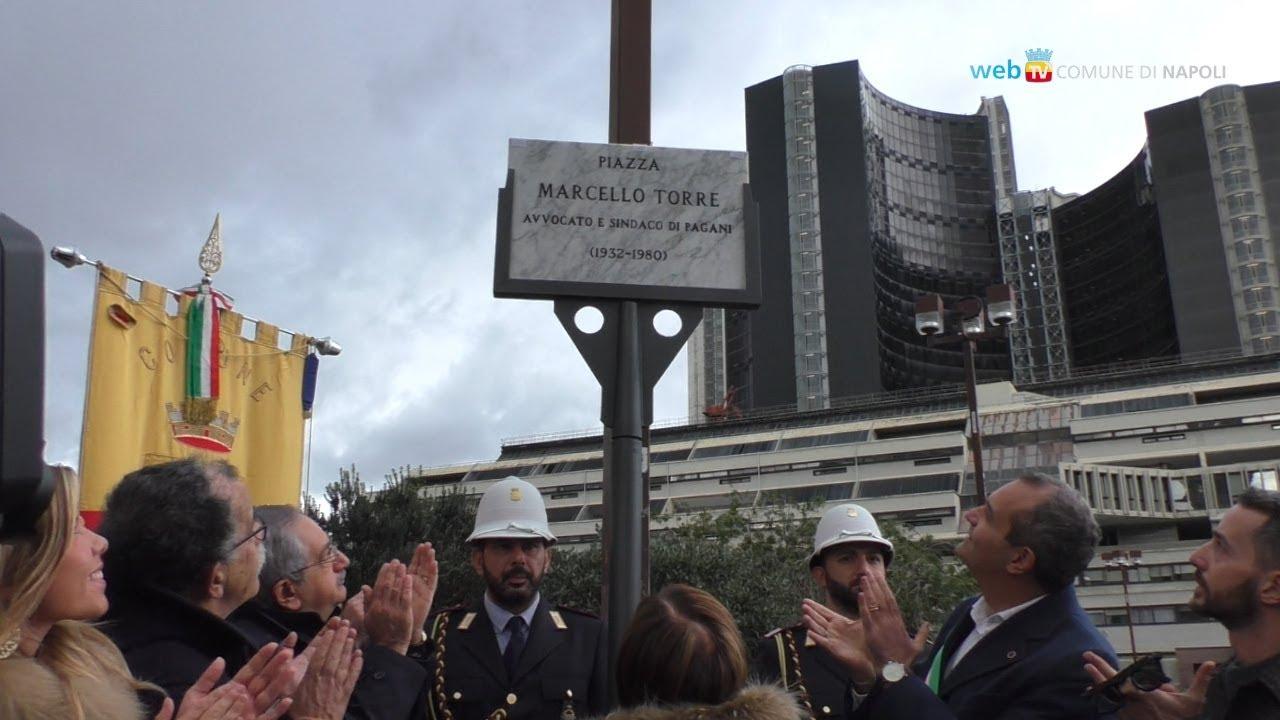 Una piazza intitolata a Marcello Torre all'esterno del palazzo di Giustizia