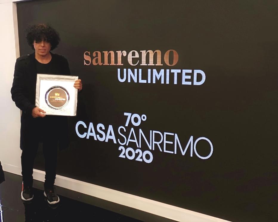 Blandizzi a CasaSanremo, riceve il prestigioso Premio National Voice Awards