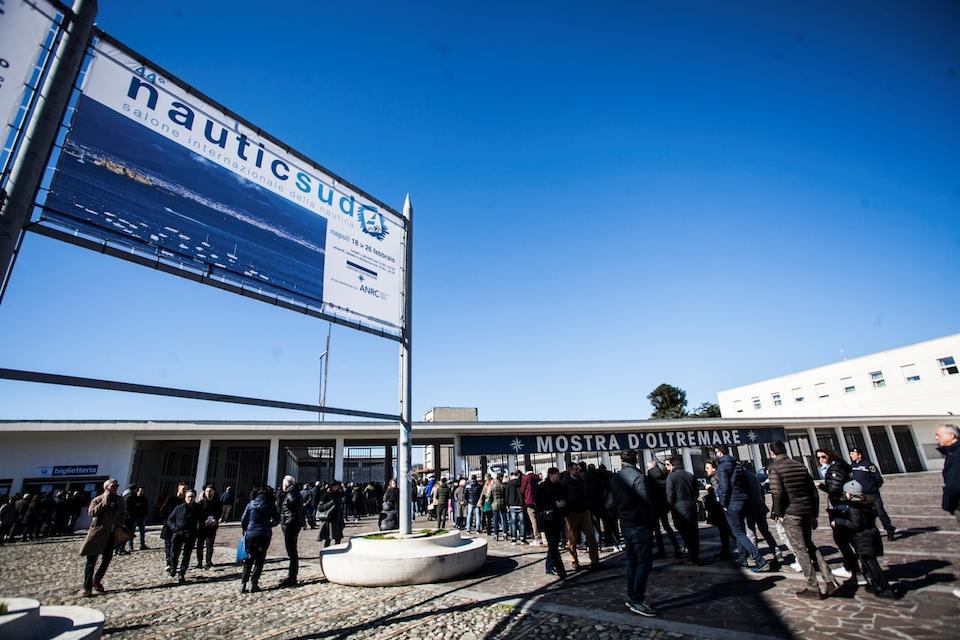 Nauticsud 2020, il taglio del nastro: 220 espositori e 800 imbarcazioni in mostra