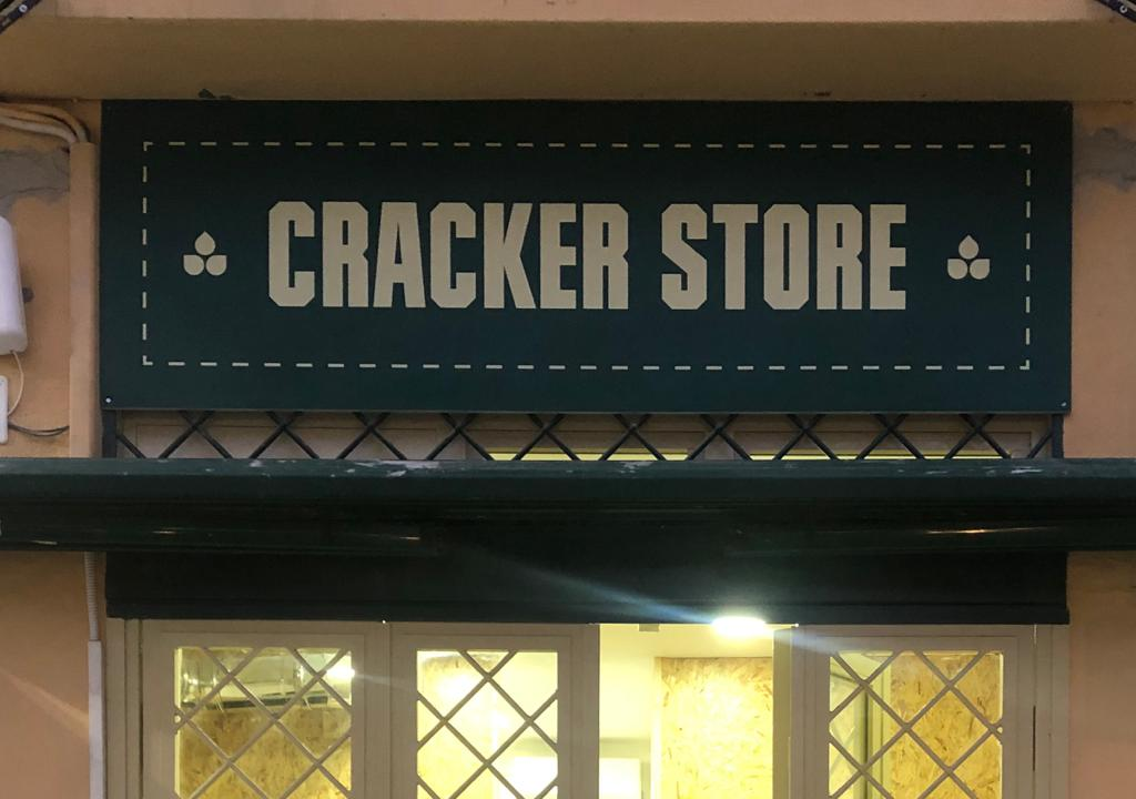 Cracker Store: il primo take away al mondo che serve crackers farciti apre a Napoli