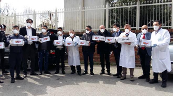 Coronavirus, la comunità cinese della Campania dona mascherine al Cotugno
