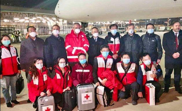 Coronavirus, atterrato l'aereo proveniente dalla Cina con 9 esperti
