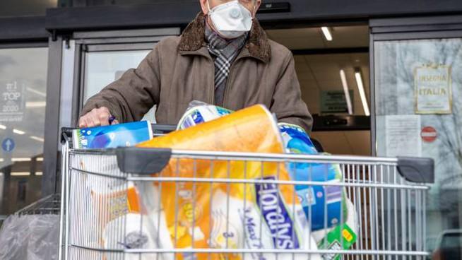 Coronavirus, a Napoli arriva la spesa sospesa