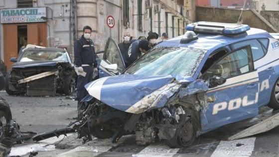 Tragedia a Napoli, poliziotto 37enne muore per sventare un furto in banca