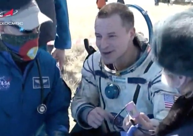 "Coronavirus, astronauti a Terra dopo 6 mesi: ""Un mondo surreale"""
