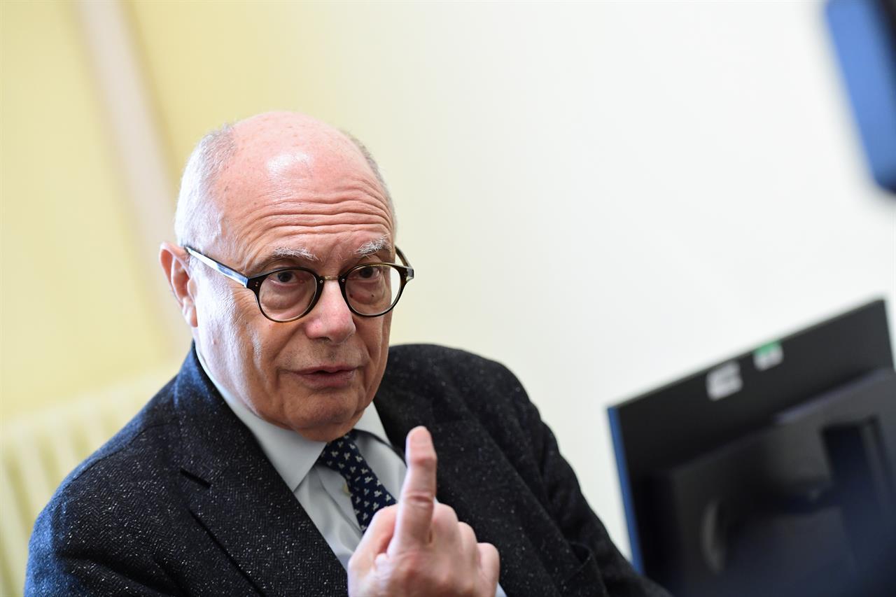"""Adesso Galli cambia idea: """"Coronavirus in Italia già a gennaio"""""""