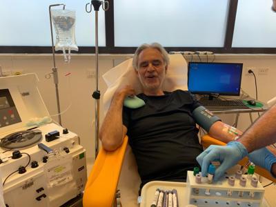Bocelli dona il plasma dopo essere guarito dal coronavirus
