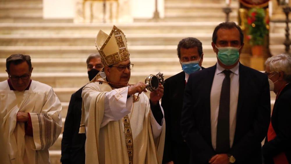 A Napoli si rinnova, a porte chiuse, il miracolo di San Gennaro