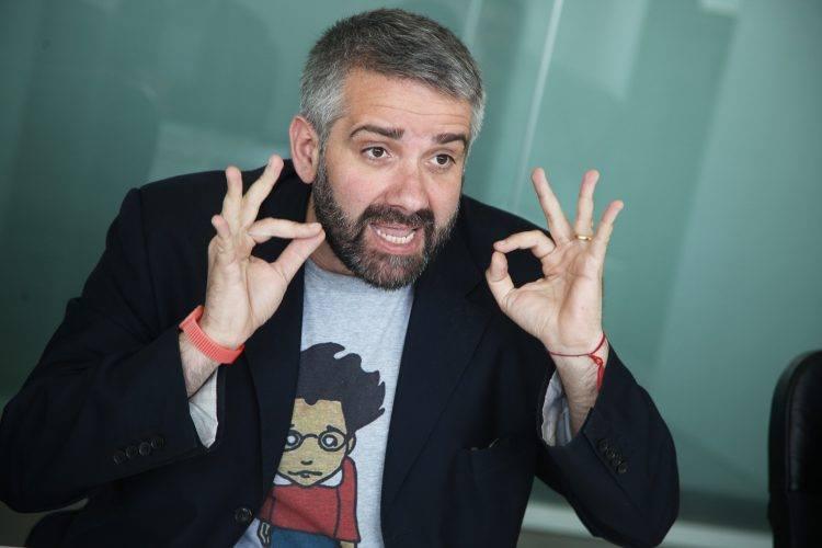 """Tonino Scala: """"Soli in ascensore"""""""