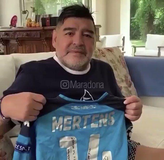 """Maradona fa i complimenti a Mertens per il record: """"Sono orgoglioso di te"""" (VIDEO)"""