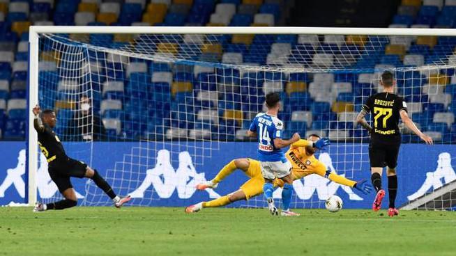 Coppa Italia, Napoli-Inter 1-1: azzurri in finale nel segno di Mertens