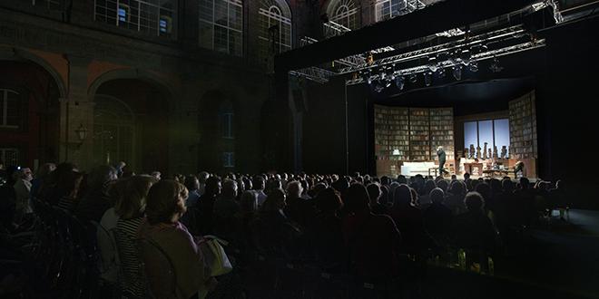 Il Napoli Teatro Festival riparte a luglio: spettacoli all'aperto in tutta la Campania