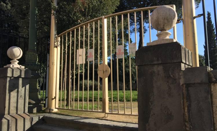 Allerta meteo in Campania, domani parchi e cimiteri chiusi a Napoli