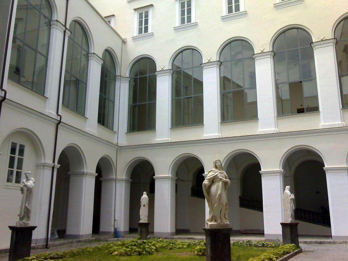 """Martedì 7 luglio nel chiostro di San Domenico Maggiore il libro di 21 autori """"Napoli in love/5"""""""