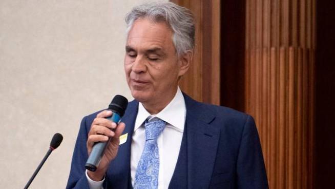 """Bocelli: """"Umiliato dal divieto di uscire da casa, ho disobbedito"""""""
