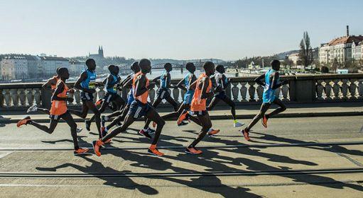 Mezza Maratona, RunCzech e Napoli Running a Praga per il record del mondo