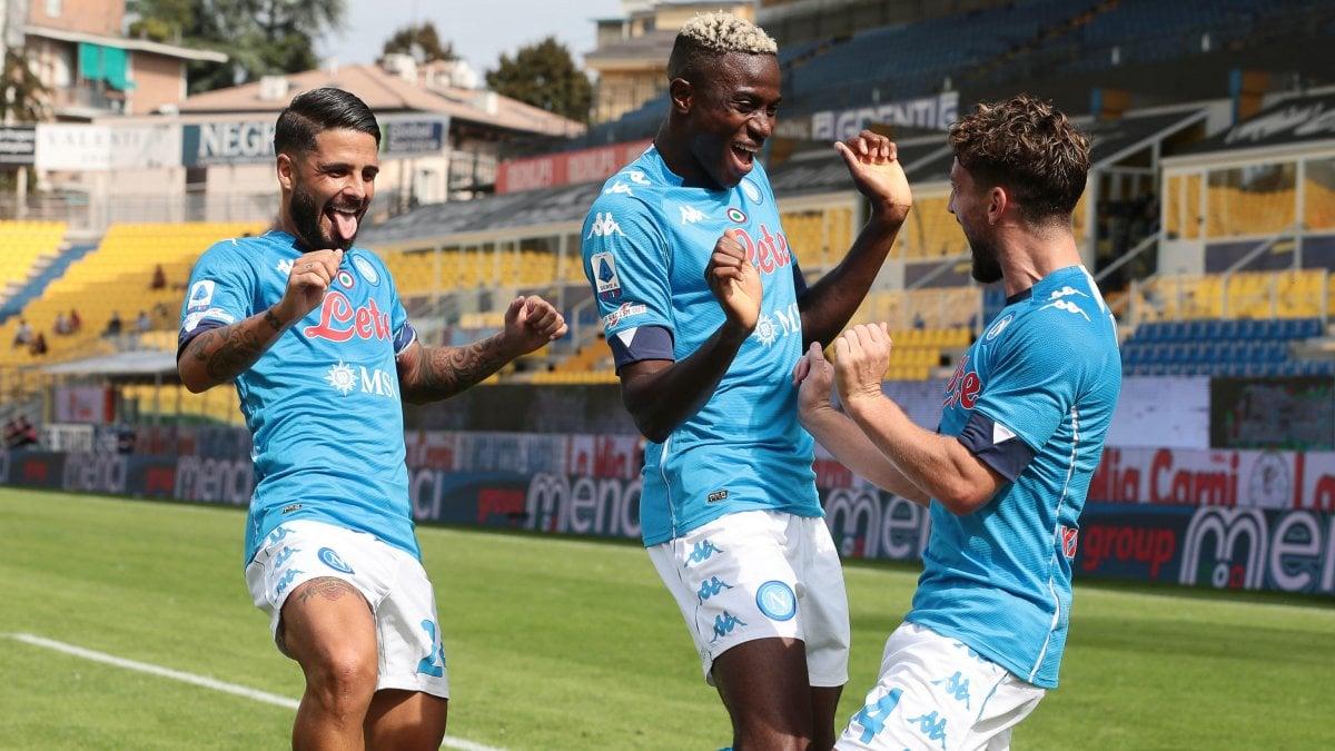 Parma-Napoli 0-2: in gol Mertens e Insigne, ma è Osimhen a cambiare la partita
