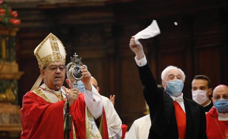 A Napoli si rinnova il miracolo di San Gennaro