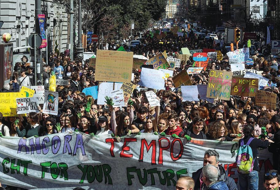 Venerdì anche a Napoli gli studenti tornano in piazza per lo sciopero per il clima