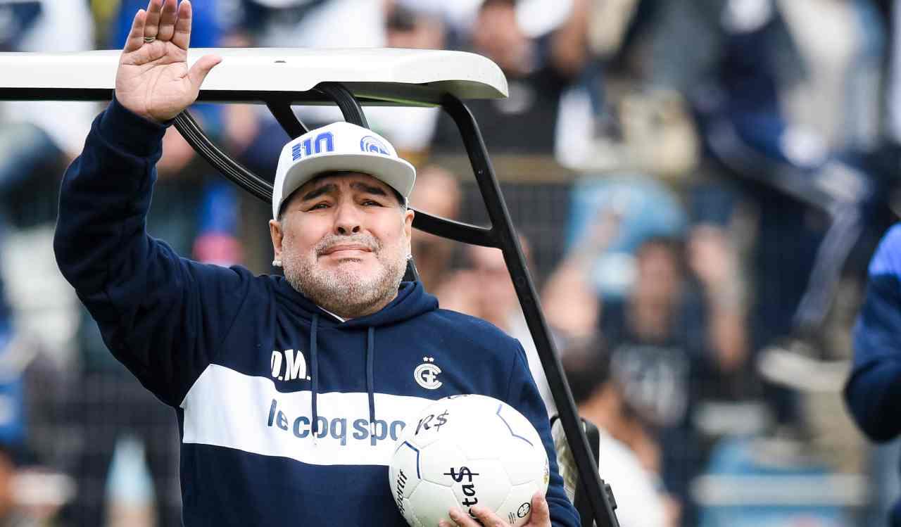 Morte Maradona, l'autopsia: il cuore pesava il doppio del normale