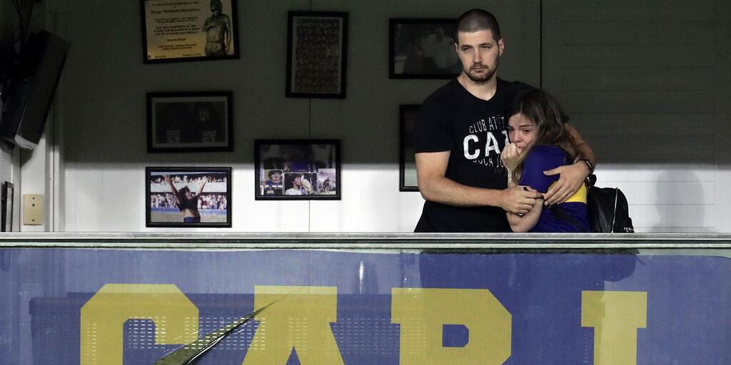 Maradona, l'omaggio del Boca: Dalma in lacrime alla Bombonera