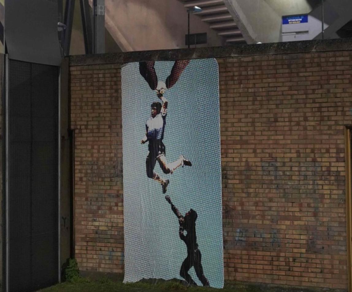 L'artista pompeiano Nello Petrucci omaggia Maradona con un'opera di Street-Art al San Paolo