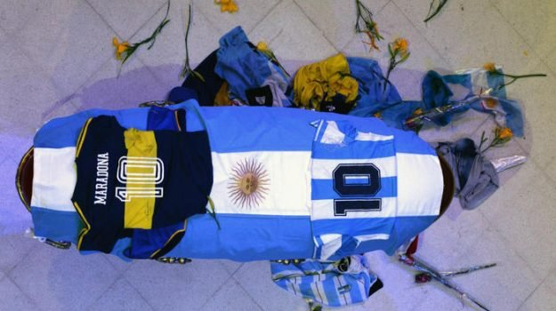 La difficile spartizione del patrimonio accumulato da Maradona