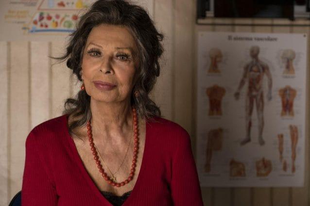 """Il New York Times esalta Sophia Loren: """"Una regina dopo 70 anni di carriera"""""""