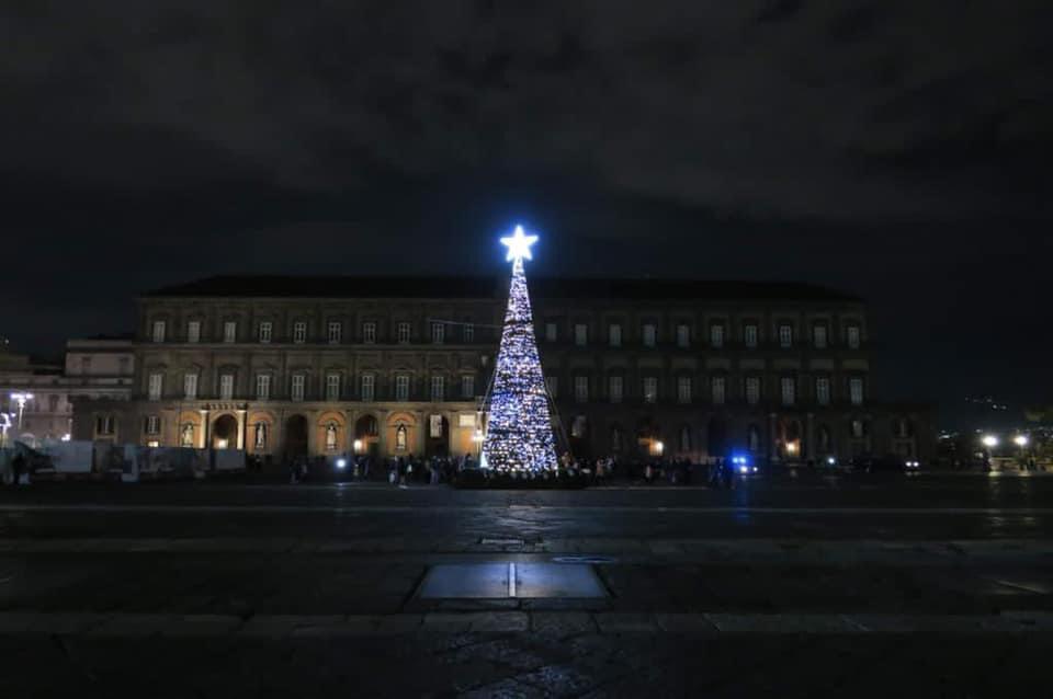 Natale a Napoli 2020: musica, teatro, danza e installazioni luminose al tempo del Covid