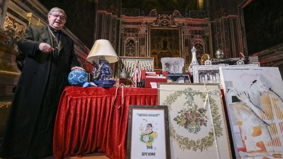 """A Napoli torna l'asta di beneficenza, il cardinale Sepe: """"Covid non ci ferma"""""""