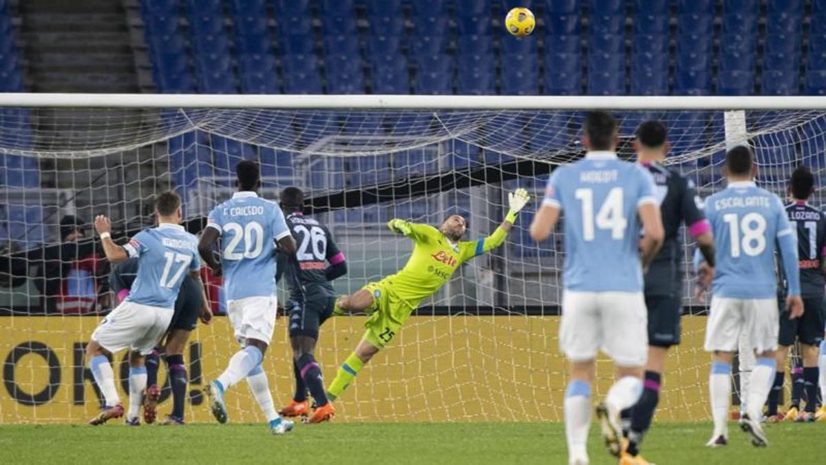 Lazio-Napoli 2-0, Immobile e Luis Alberto affondano gli azzurri: DeLa manda tutti in ritiro
