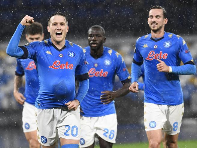 Napoli-Real Sociedad 1-1, Zielinski porta gli azzurri ai sedicesimi di Europa League