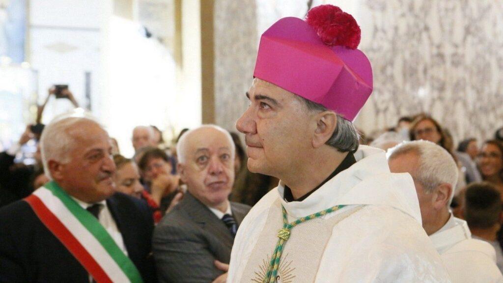 Covid: tampone negativo per il vescovo di Napoli, Domenico Battaglia