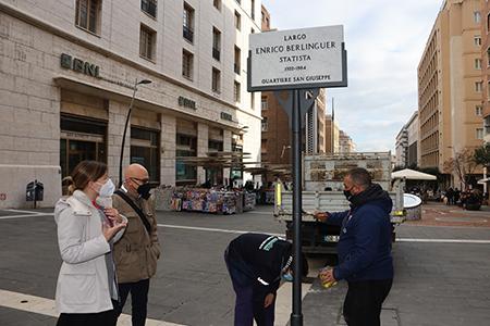 Ripristinata a Napoli la targa dedicata a Berlinguer