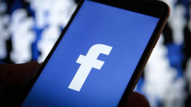 Facebook compie 17 anni, il compleanno della piattaforma che ha cambiato il mondo
