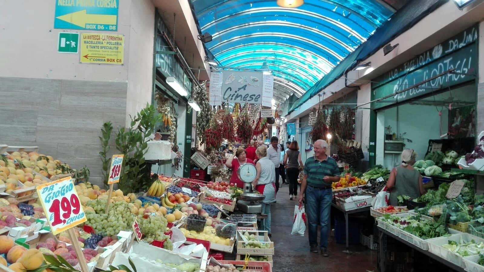 Covid, riapertura parziale dei mercati in Campania: l'ordinanza di De Luca