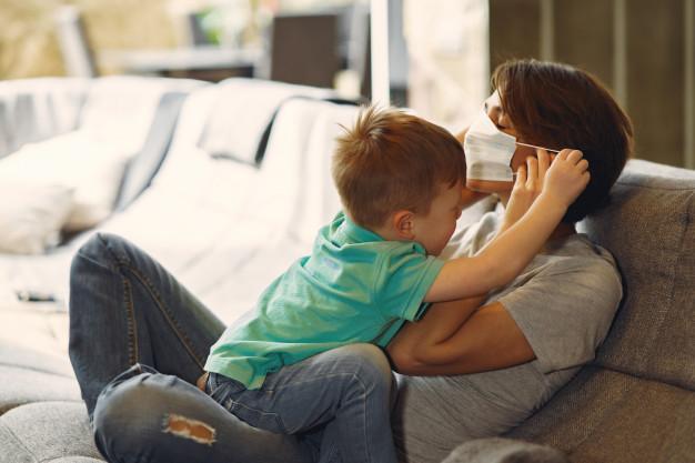 Scuole chiuse, tornano congedi parentali e bonus babysitter: nel 2020 in Campania gli importi più bassi