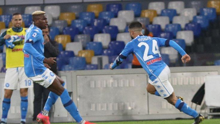 Napoli-Bologna 3-1, doppietta di Insigne e Osimhen per restare attaccati al treno Champions