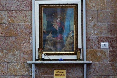 Marano, rimossi dalla chiesa i quadri regalati dal boss Lorenzo Nuvoletta