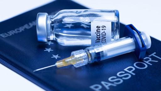 L'Ue presenta il passaporto vaccinale, in vigore da giugno
