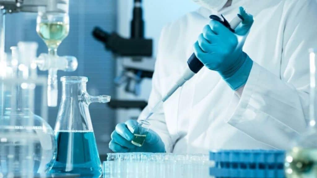 Wuhan - ricercatori scienziati