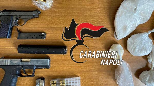 Scampia, arsenale della camorra in cassette anti-incendio
