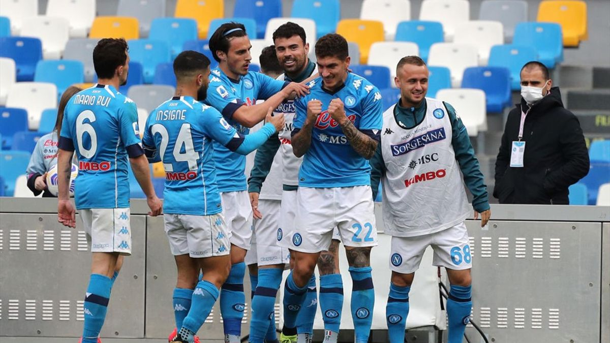 Serie A, il Napoli soffre ma vince e mette la Juve nel mirino