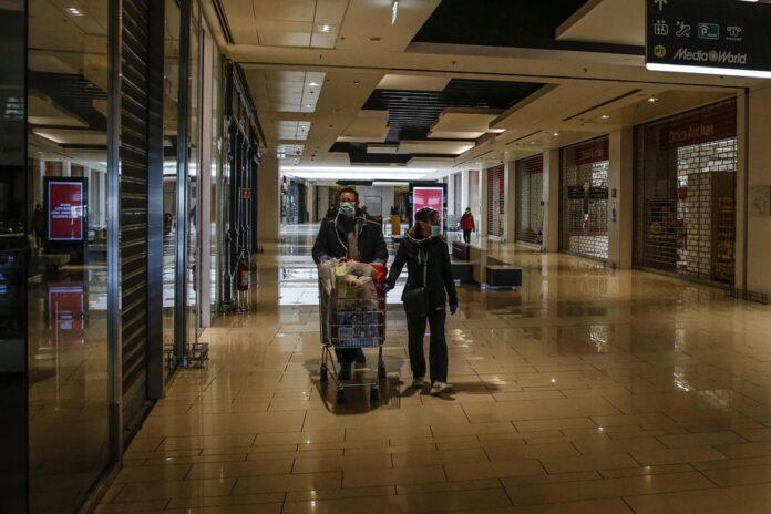 Centri commerciali, 11 maggio saracinesche abbassate