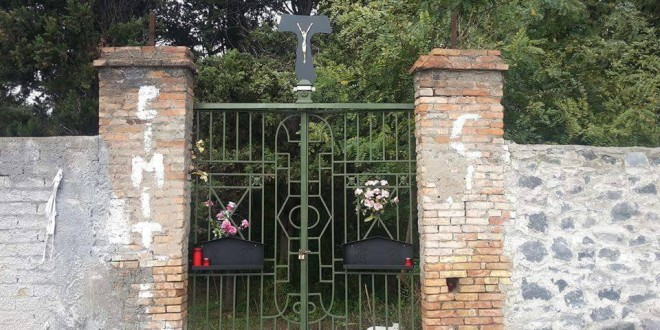 Beni culturali abbandonati: sequestrati Villa Ebe e il Cimitero dei Colerosi a Napoli