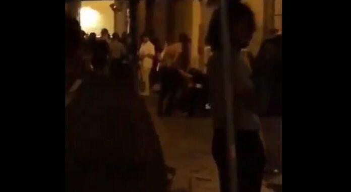 Baretti di San Pasquale, rissa a colpi di bottiglia - VIDEO