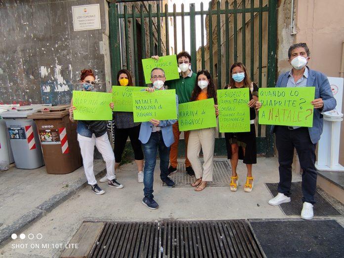 Bagnoli, flash mob per la riapertura del Lido Comunale